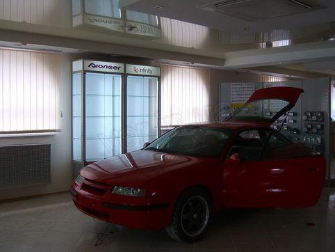 .Торговое оборудование для студии автомобильного тюнинга.8