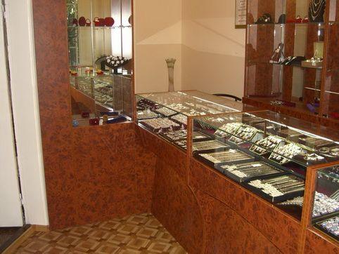 .Торговое оборудование для ювелирного магазина.5